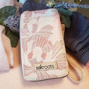 SAKroots Smartphone Wristlet Petal Pink NEW